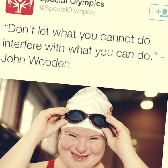 "Bilde av svømmer med Down syndrom med teksten: Dont let what you cannot do interfere with what you can do"""