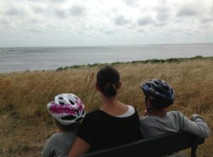 Illustrasjonsfoto: Kvinne med to barn i Danmark