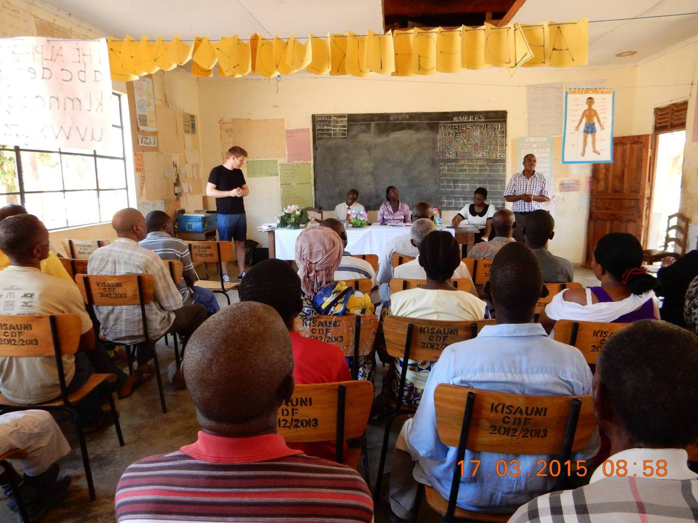 Jan Gunnar underviser i Kenya