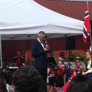 Cato holder tale på Bjørndal