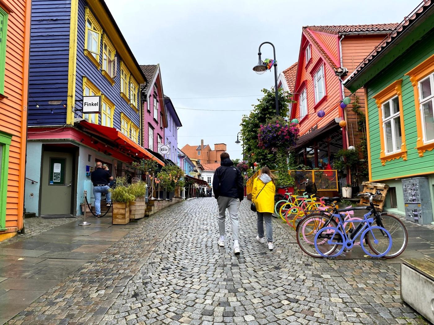 FOTO: Fargegaten i Stavanger. Illustrerer at mangfold gir verdi.